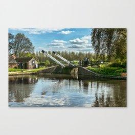 Bridge 221 On The Oxford Canal Canvas Print