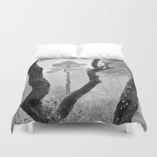 """""""Looking for the sky..."""" Follow your dreams Duvet Cover"""