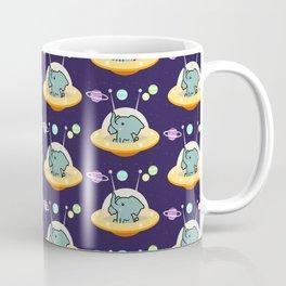 Pattern astronaut elephant: Galaxy mission Coffee Mug