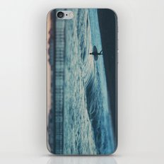 the lone surfer ... iPhone & iPod Skin
