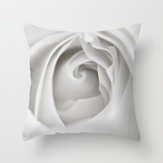 White Rose 9463 Throw Pillow