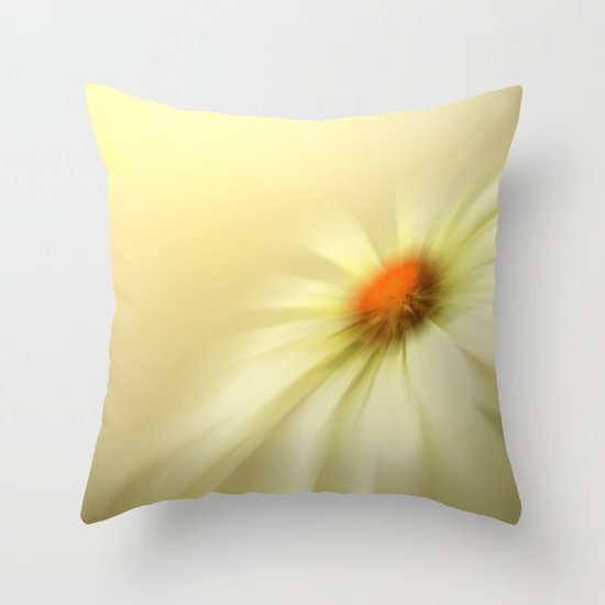Daisy blur Throw Pillow