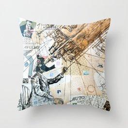 Mond observer Throw Pillow