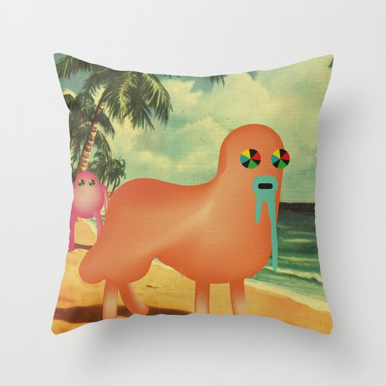 BeacH_PostCArD Throw Pillow