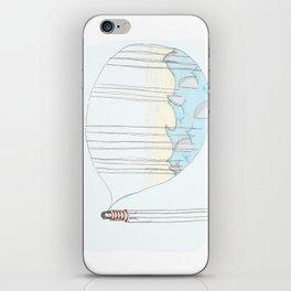 Toen bleek het een goudvis..... iPhone Skin