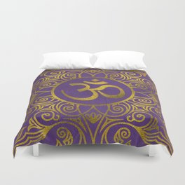 Golden  OM symbol with  on pastel purple Duvet Cover