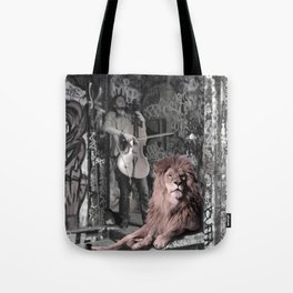 Listening the music. African Invasion. Tote Bag