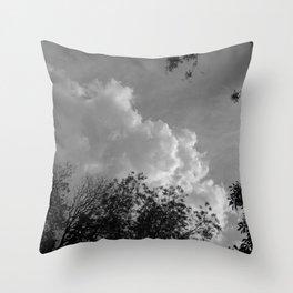 Donde habitan los ángeles #3 Throw Pillow