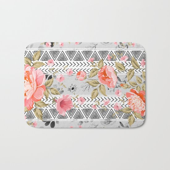Pattern flowers with triangular shapes Bath Mat
