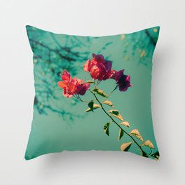 Bougainvillier Throw Pillow