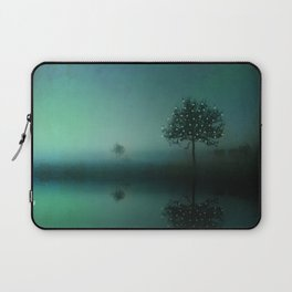 SOLITUDE IN TIME Laptop Sleeve