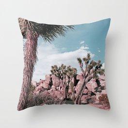 El Cielo es Azul Throw Pillow