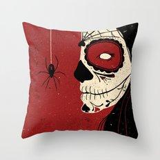 Viuda Negra  Throw Pillow