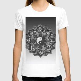 Yin and Yang Mandala (Black & White) T-shirt
