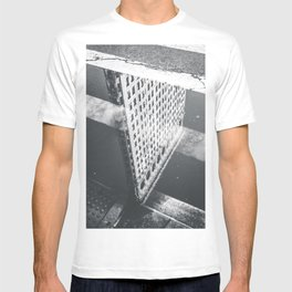 Flat Iron Building - NYC Reflection T-shirt