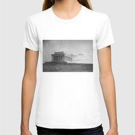 Construction of The Lincoln Memorial (1920) T-shirt
