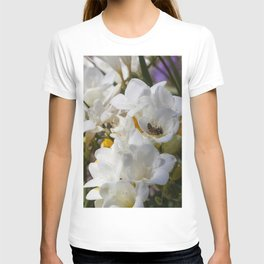 Bee on its back T-shirt