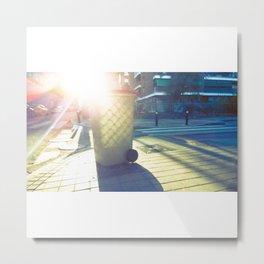 Cubo de basura pintado por el sol Metal Print