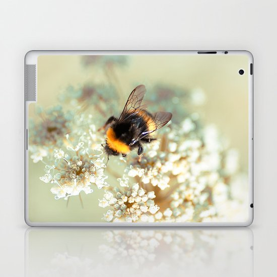 Bumblebee. Laptop & iPad Skin