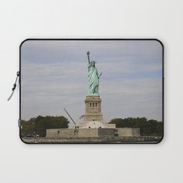 The Statue of Liberty: Front and Center Laptop Sleeve