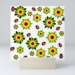 Fleurs et coccinelles Mini Art Print