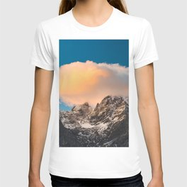 Burning clouds over the mountains T-shirt
