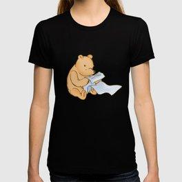 Pooh Reading T-shirt