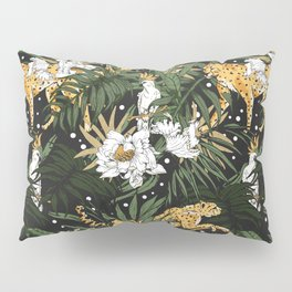 Animals in the glamorous nocturnal jungle Pillow Sham