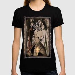 Marie Laveau {Laveaux} (The High Priestess)  T-shirt