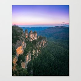 Cold morning but warm sunrise colors in the sky at Three Sisters in Blue Mountains. Canvas Print
