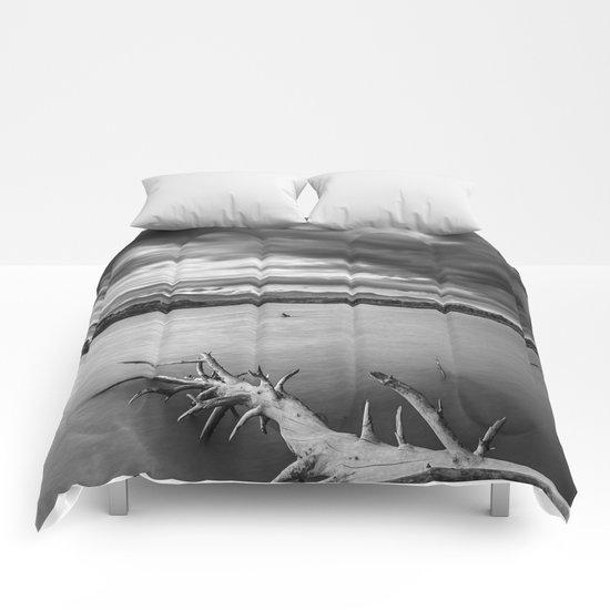 Windy sunset Monochrome Comforters