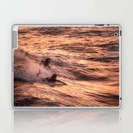 Girls catching a wave together Laptop & iPad Skin