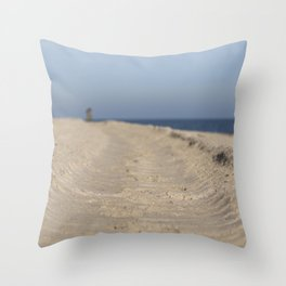 Traces in the sand Throw Pillow