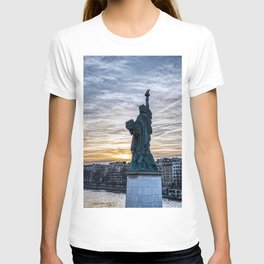 Sunset over Replica of the Liberty Statue in Paris T-shirt