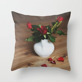 red love. Throw Pillow