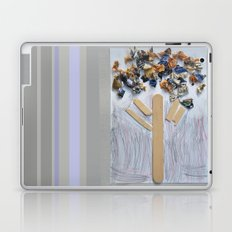 WOODEN TREE Laptop & iPad Skin