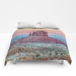 MONUMENT VALLEY AT SUNSET Comforters
