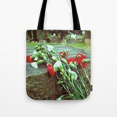 Graveyard beauty Tote Bag