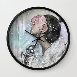 Loves me, loves me not Wall Clock