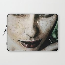 ragazza con lentiggini Laptop Sleeve