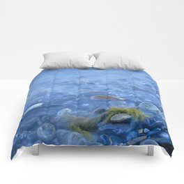 Green kelp on the rock Comforters