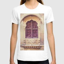 Haveli Window Jaisalmer Rajasthan T-shirt