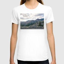 Kamloops mountains scene T-shirt