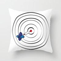 chicago bulls Throw Pillows featuring Bulls Eye by Nivedhna