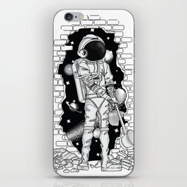 Astronaut on the loose iPhone Skin