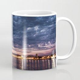 Algo nublado Coffee Mug