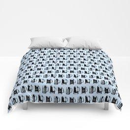 Beer Mugs on Light Blue Comforters
