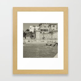 Le saut Estoril Framed Art Print