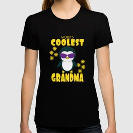 """""""World s Coolest Grandma Penguin With Sunglasses"""" for penguin lovers out there and coolest grandma!  T-shirt"""