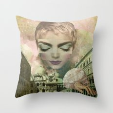 The world in my hands. Throw Pillow